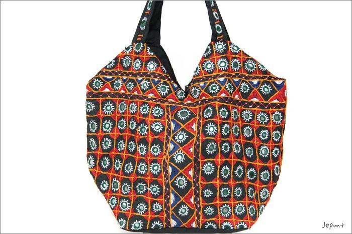 バッグ■両面ミラーワーク刺繍BAG(BLACK03)表