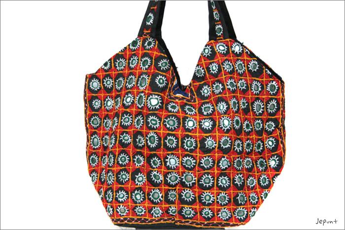 バッグ■両面ミラーワーク刺繍BAG(BLACK03)うら