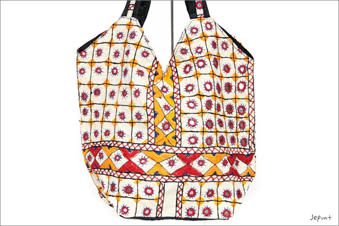 バッグ■両面ミラーワーク刺繍BAG(WHITE02)表