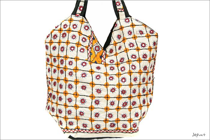 バッグ■両面ミラーワーク刺繍BAG(WHITE02)うら
