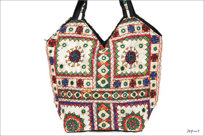 バッグ■両面ミラーワーク刺繍BAG(WHITE03)表