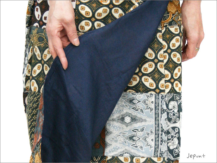 スカート■バティックパッチワーク 巻きスカート(ブラック)裏は肌さわりの良いコットン