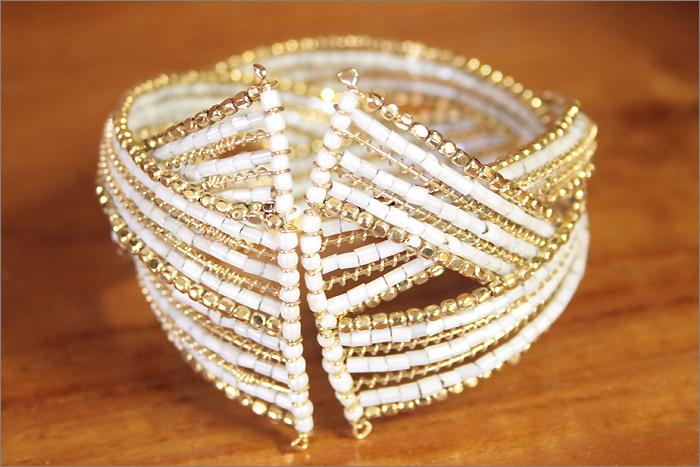 アクセサリー■インド製 ワイヤーブレスレット(ホワイト)