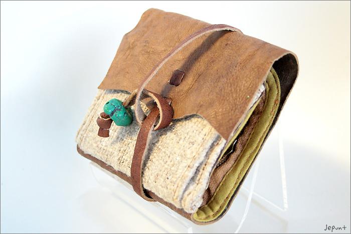 小物■レザー折りたたみ財布(ベージュ)