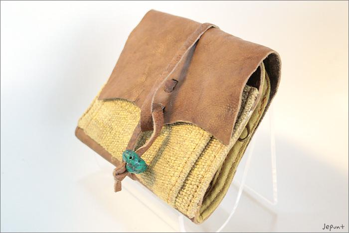 小物■レザー折りたたみ財布(イエロー)