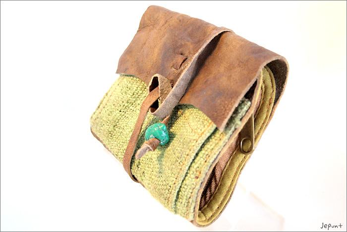 小物■レザー折りたたみ財布(グリーン)