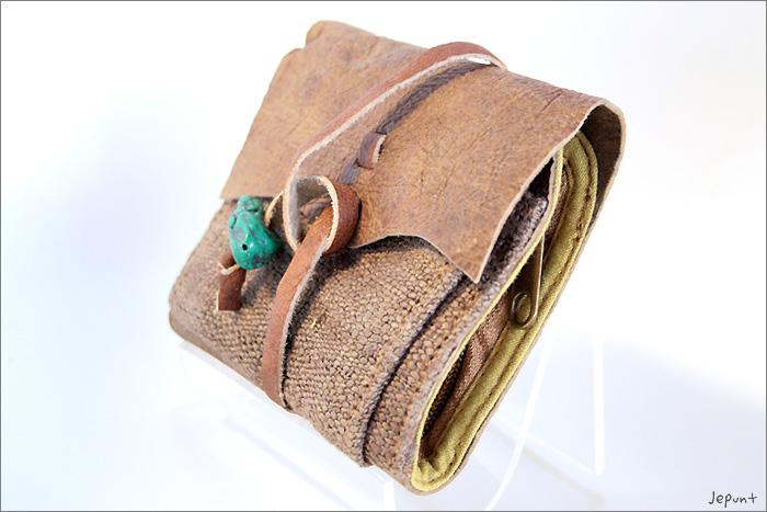 小物■レザー折りたたみ財布(ブラウン)