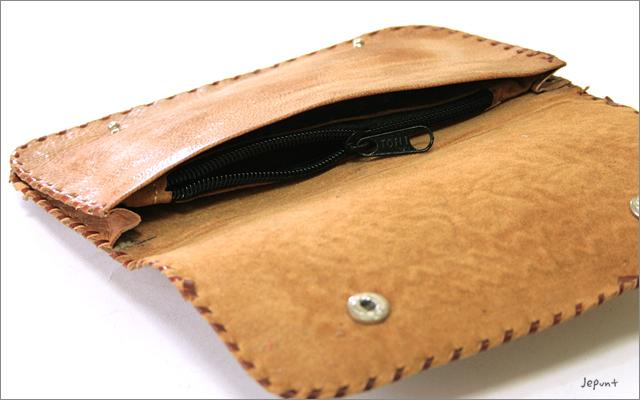 財布■ラクダ革 刺しゅうウォレット 長財布