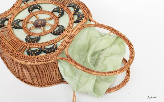 アタバッグ■アタ製 巾着フタ付き りんごモチーフ手提げアタバッグ ナチュラル