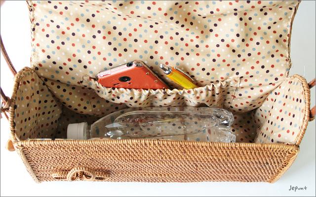アタバッグ■アタ製バリ雑貨 フタ付き肩掛けアタバッグ ナチュラル