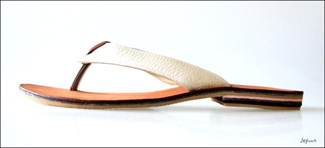 トングサンダル(ホワイト)